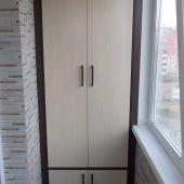 Шкаф встроенный на балкон